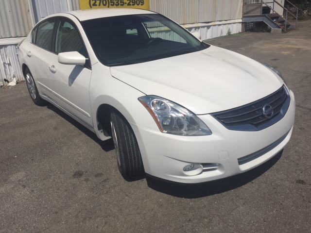front 2011 Nissan Altima