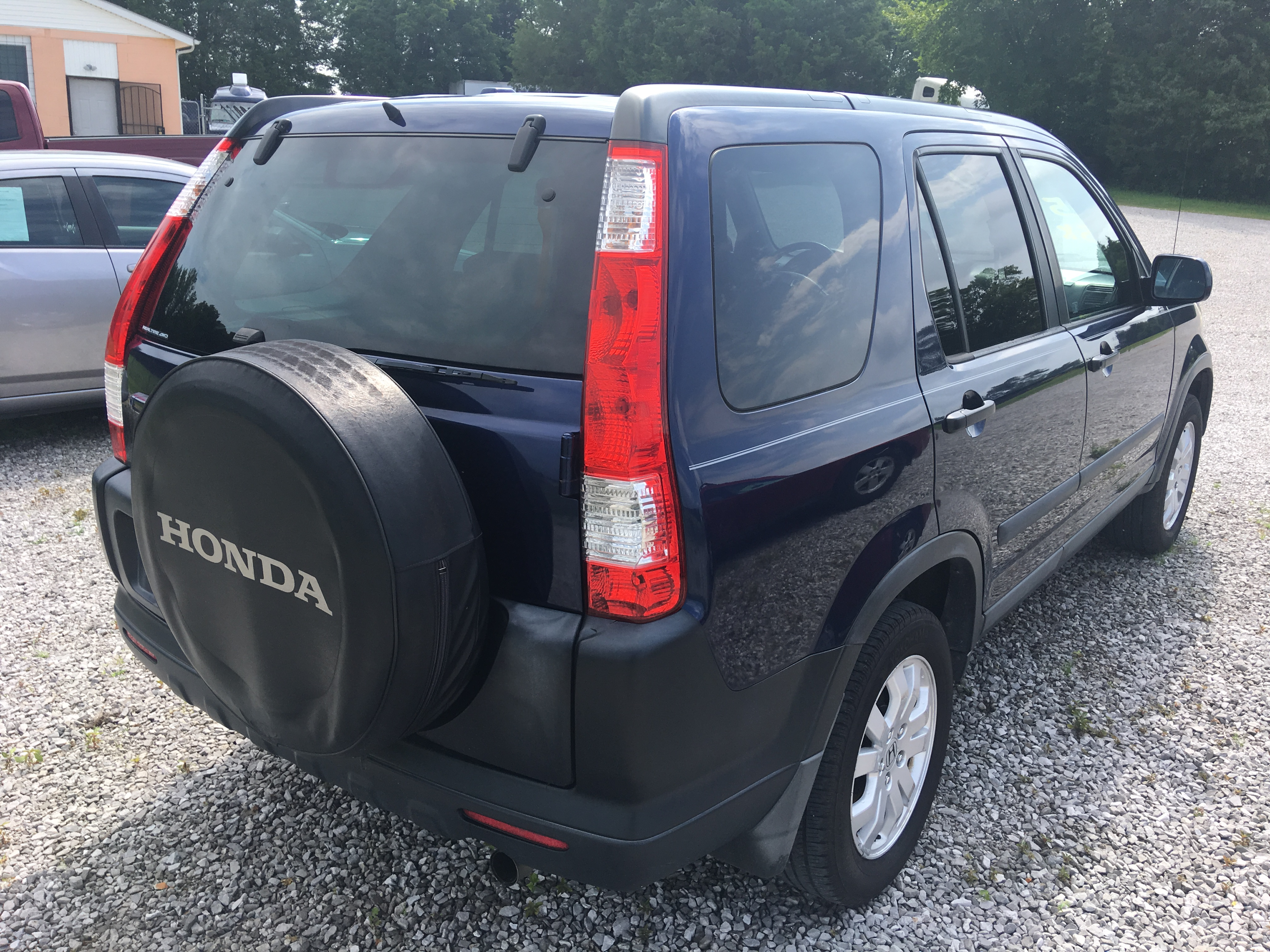 back 2005 Honda CR-V 4wd
